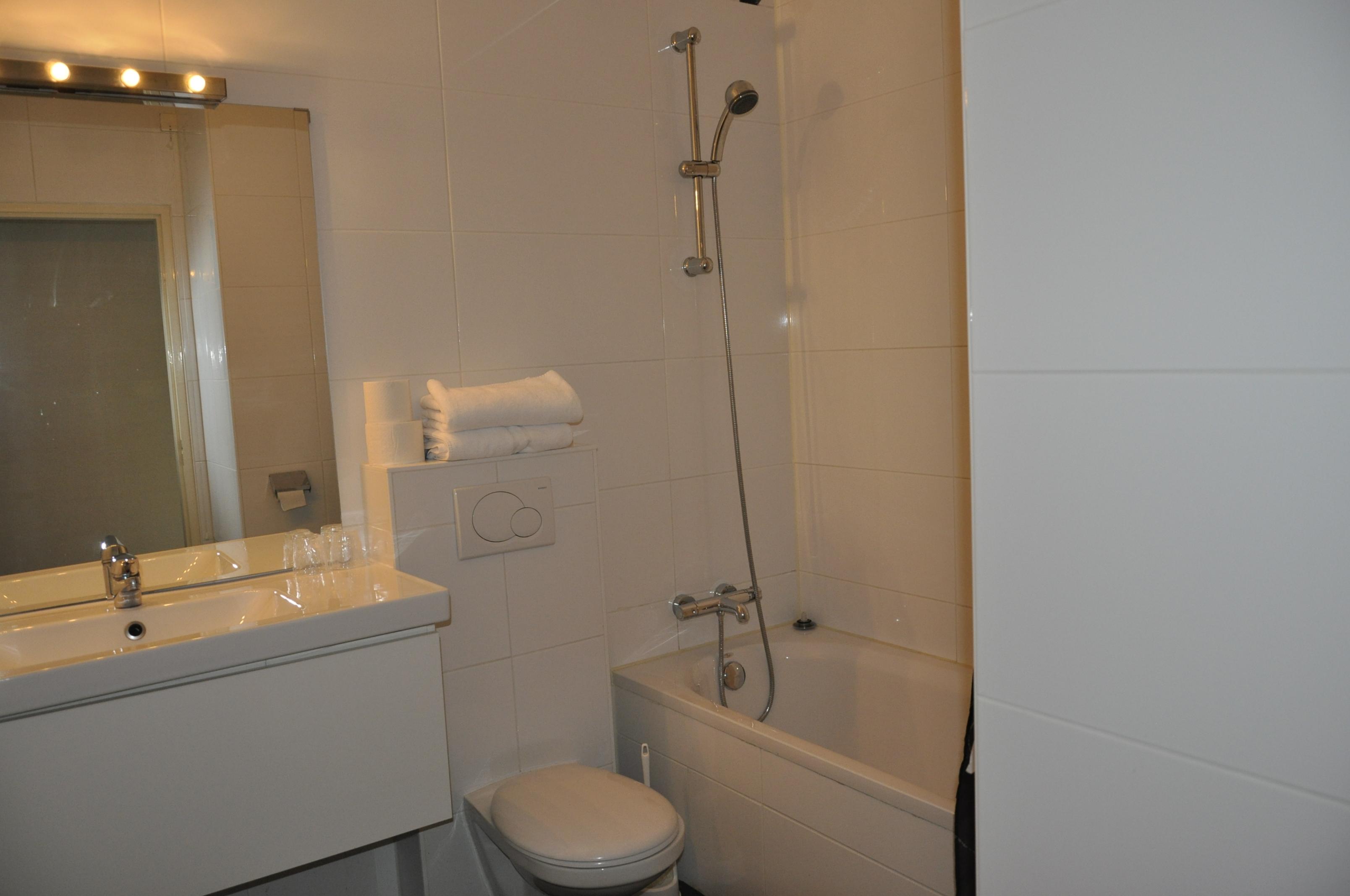 http://www.hotelmayflower.nl/wp-content/uploads/2016/01/DSC0038.jpg